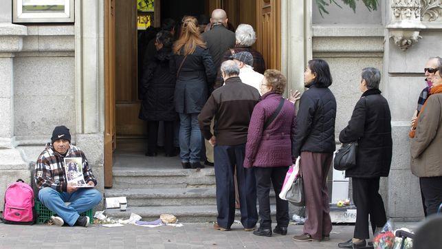 «Las prestaciones sociales no sirven para salir de la pobreza»