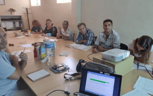 Grupo de personas con experiencia en pobreza